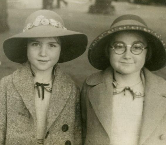 +~+~ Vintage Photograph ~+~+  This picture is so dang adorable I can barely stand it!  Love Barbara and Gloria getting their picture taken at the Melbourne Zoo. (detail) 1939.