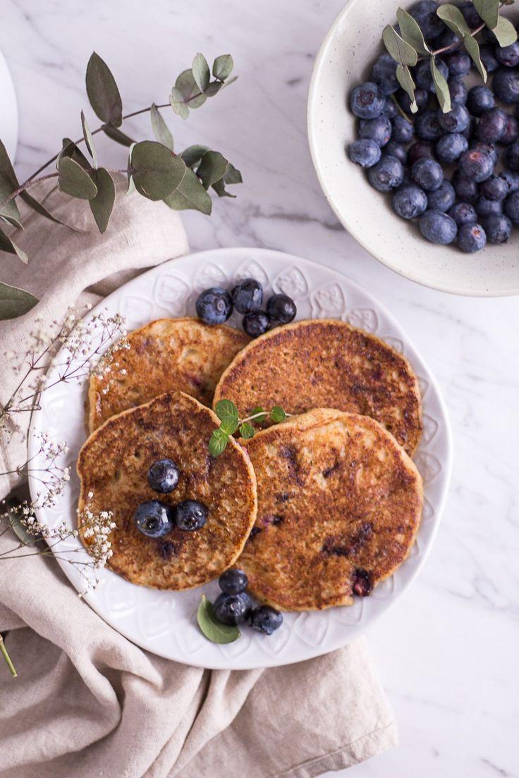 Gesunde Blaubeer-Hirse-Pancakes - rein pflanzlich, vegan, glutenfrei, ohne raffinierten Zucker - de.heavenlynnhealthy.com