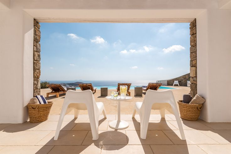 Our #VillaMaera 1: A villa of exception on an island of exception  #MaeraVillas  #luxuryvillas #MykonosIsland