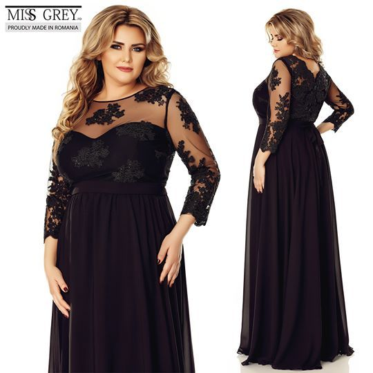 Be confident in your power of seduction with Elissa PlusSize dress made of silk veil and manually embroidered lace.