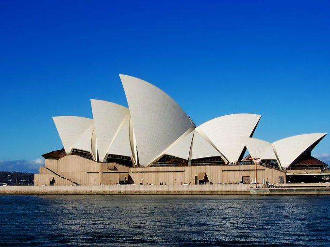 Viajar al otro lado del mundo, es decir a Australia puede ser posible en menos de 5 horas. Tal vez recuerdes el mítico Concorde, que fue retirado hace 9 años; ahora un nuevo jet puede ser su sucesor y será capaz de llévate desde Londres a Sídney en 4 horas, mientras que los aviones comerciales suelen tardar unas 20 horas.