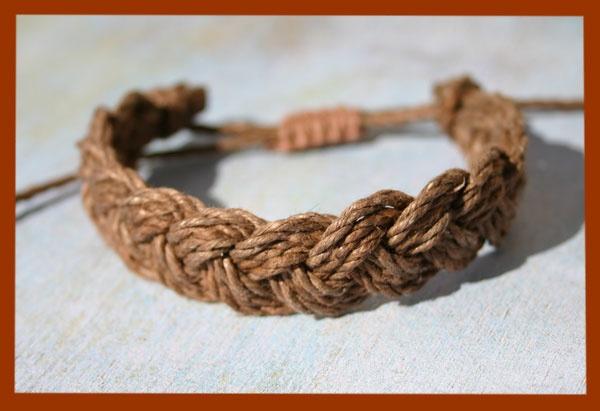 Just made this crazy simple but super cute hemp bracelet :)
