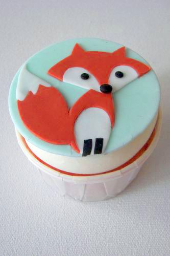 This fox. | Community Post: 30 Animal Cupcakes Too Cute To Eat