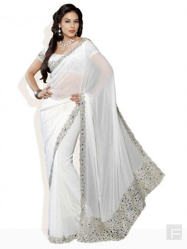Gorgeous Must-Have Sarees For Your Bridal Trousseau   Exploring Indian Wedding Trends