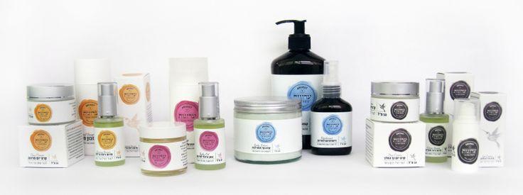 Les ofrecemos cuatro categorias de #Cosmeticos #Organicos: - Cara normal-seca - Cara normal-grasosa - Mama y Bebe - Cuerpo y Cabello