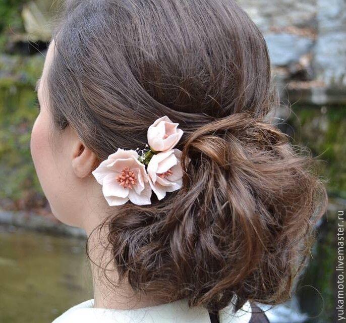 """Купить """"Аннет"""" заколка с цветами - подарок, свадебное украшение, украшение на выпускной, веточка в прическу"""