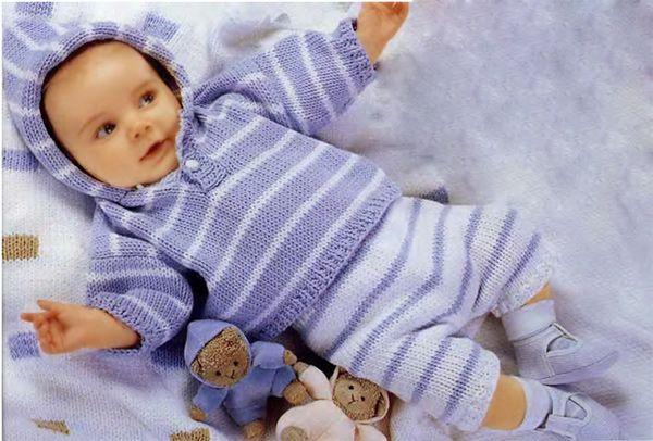 Сиренево-белый полосатый пуловер с капюшоном и штанишки
