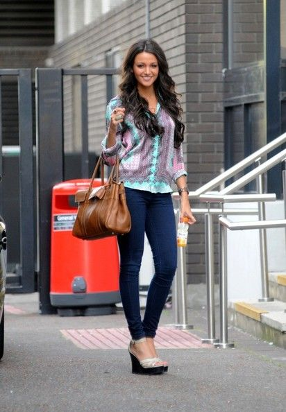 Michelle Keegan Leather Tote - For her arm candy, Michelle Keegan picked a camel-colored leather tote by Mulberry.