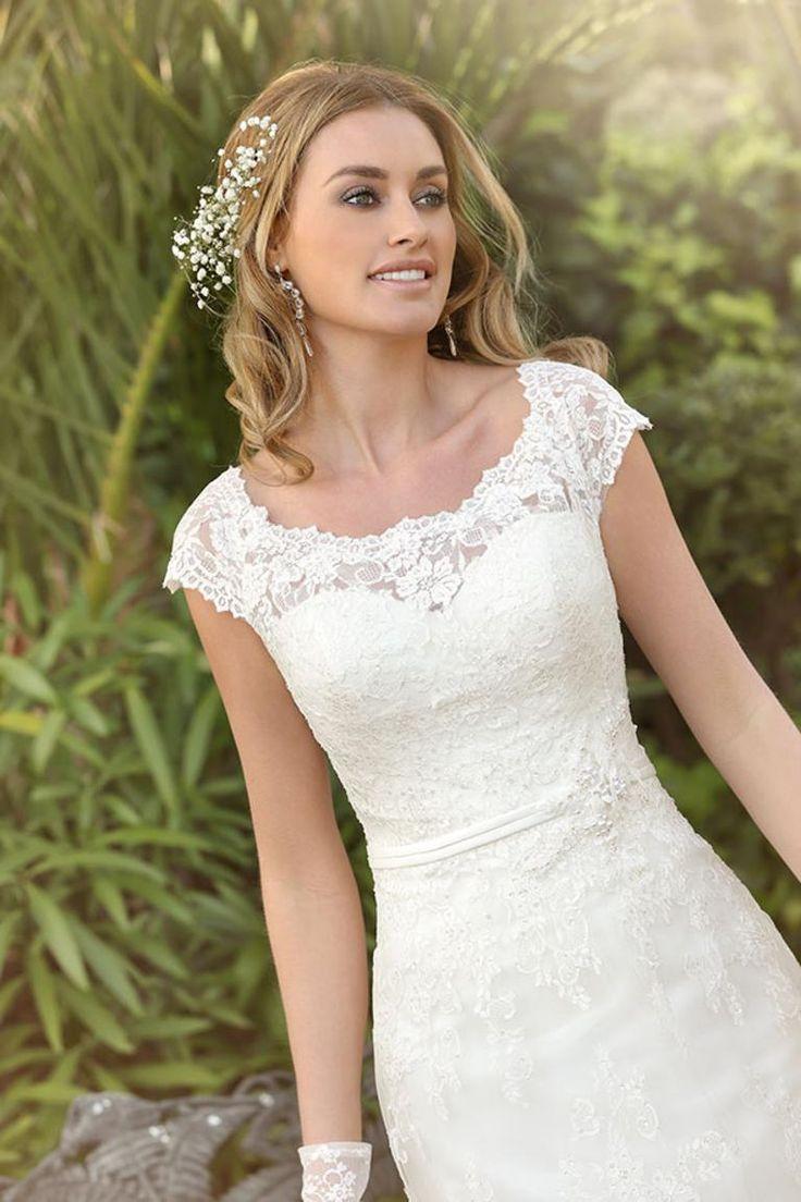 Vintage bruidsjapon, Sluik vallende trouwjurk, Bruidsjapon met kapmouwtje, Trouwjurk kant, bruidsjapon tule, By Taft & Tule - http://taftentule.nl