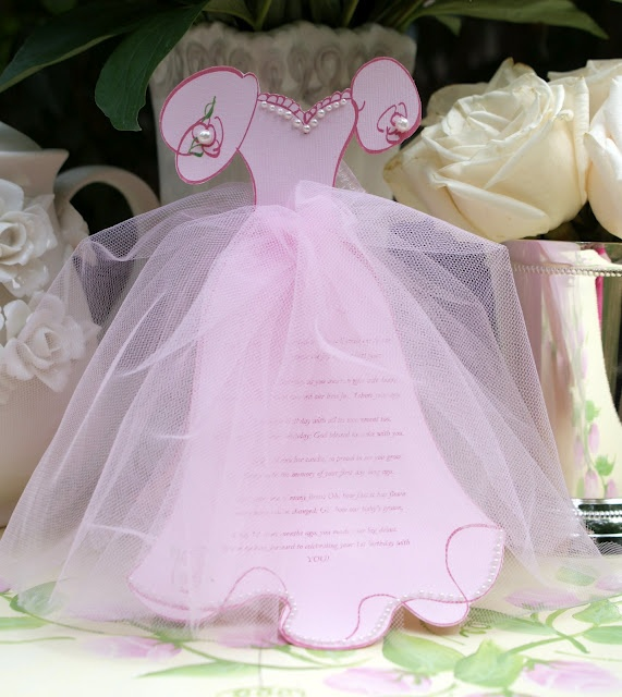 A Little Loveliness: Princess Invitations. for ava's first birthday invitations.