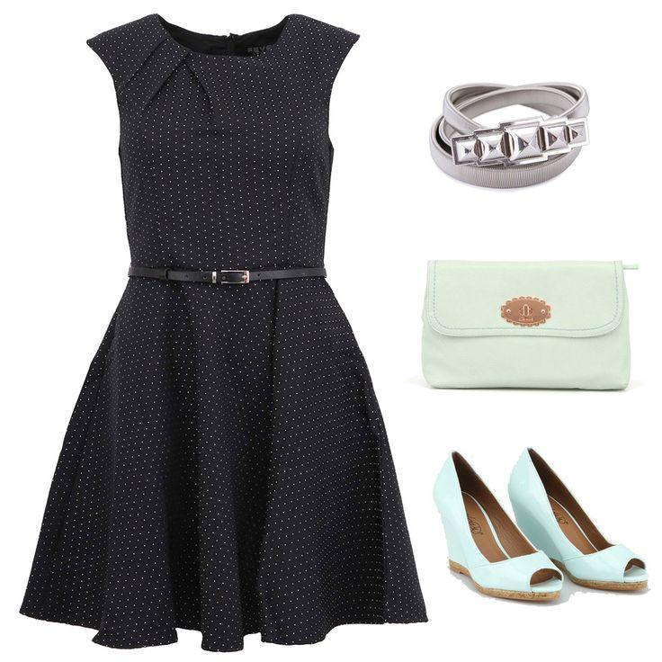 Černé šaty s puntíky a doplňky
