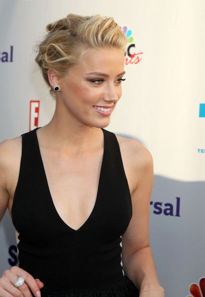Amber Heard Bobby Pinned updo - Bobby Pinned updo Lookbook - StyleBistro