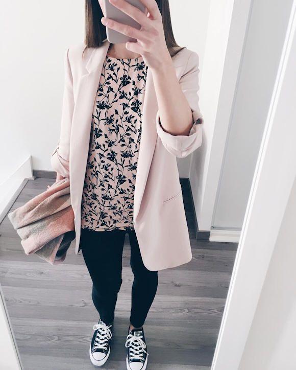 look avec une veste rose ple couleur tendance printemps t 2017 http