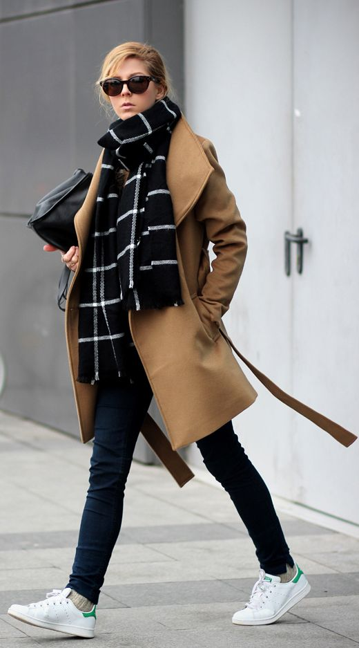 Sirma Markova is wearing a camel coat and scarf from Romwe, jeans from H&M, sweater from Zara, sneakers from Adidas and the bag is from Bershka