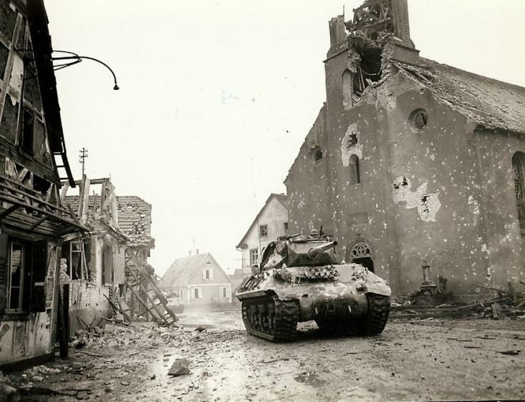 M-10 Tank Destroyer from the 636th Tank Destroyer Battalion supporting the 143rd Infantry Regiment, 36th Division in Rohrwiller, 4 February 1945