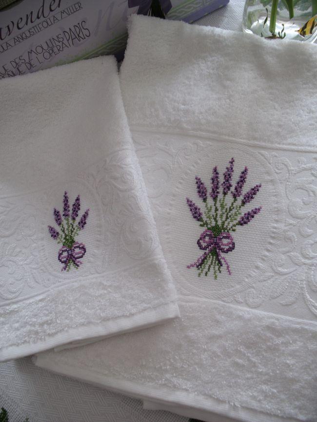 Asciugamani oblo' con lavanda - Dall'album di Barbara69