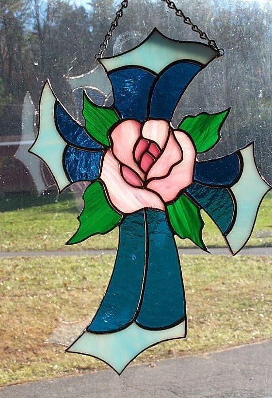 Vitraux croix avec Rose Center Suncatcher par CandJMountainGlass