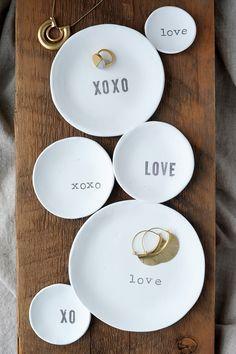 DIY: stamped air dry clay bowls
