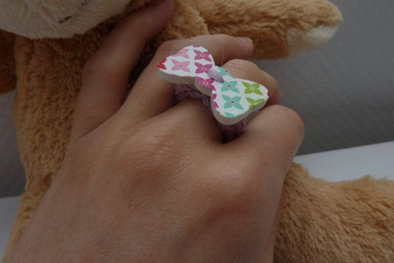 Multicolored ring