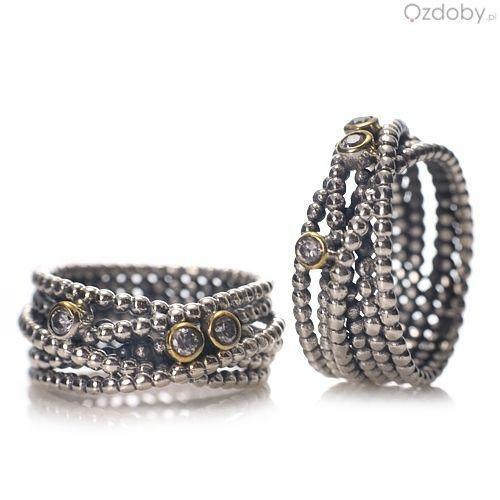 Piękny, srebrny pierścionek