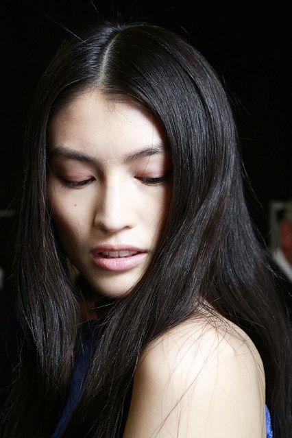 Centre Partings Hair How-To: Spring/Summer 2014 (Vogue.com UK) #makeup #hair #inspiration