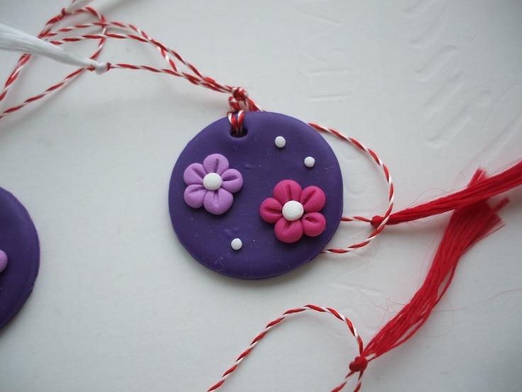 Martisoare lucrate manual: floricele - http://martisorul.wordpress.com