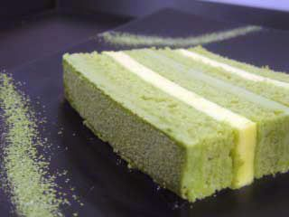 Green Tea & Orange Mousse Cake !! Good Look , Good Taste !!! I am a big fan of green tea deeessseeeerrrrttttssss!!