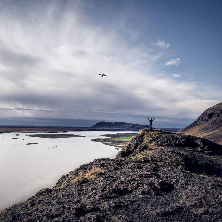 Instagrammer sbedaux verkende IJsland met een huurauto. Deel ook je roadtrip plezier en plaats de hashtag #MetEenHuurautoZieJeMeer bij je foto's op social media.