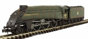 """2S-008-001 Class A4 steam locomotive 60012 """"Commonwealth of Australia"""" in BR green with early crest £105"""