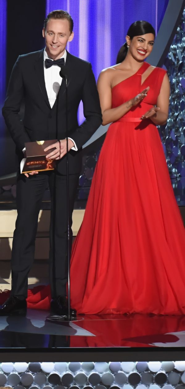 Tom Hiddleston and Priyanka Chopra onstage to present Outstanding Directing for a Limited Series, Movie or Dramatic Special during the 68th Annual Primetime Emmy Awards at Microsoft Theater on September 18, 2016 in Los Angeles, California. Via Torrilla. Click here for full resolution: http://ww4.sinaimg.cn/large/6e14d388gw1f7yqb1ama2j23b3279npd.jpg