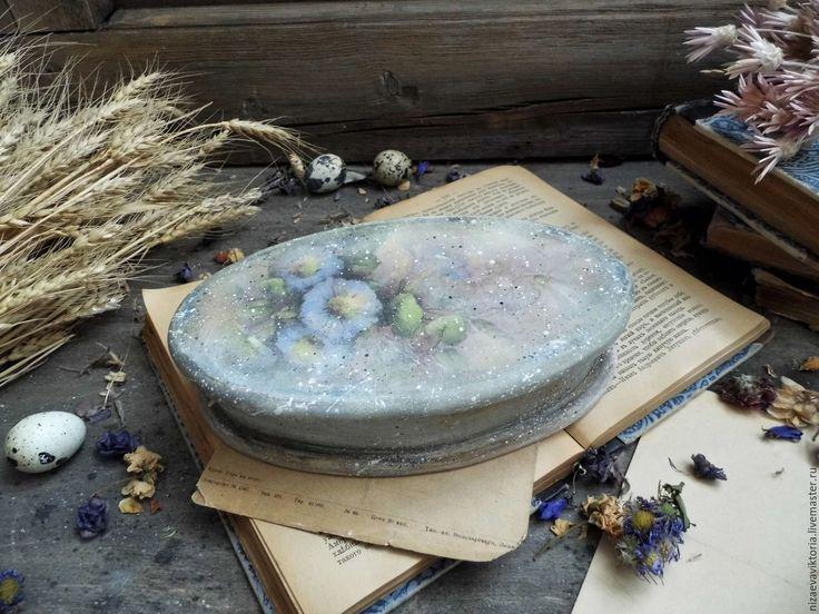 Купить или заказать 'Jardin' - деревянная шкатулка в интернет-магазине на Ярмарке Мастеров. ПРОДАНО Стилизованная деревянная шкатулка. В цветовой гамме доминируют бледно-голубые тона.... Использованы экологически чистые материалы,акриловые грунты, лаки, краски на в…