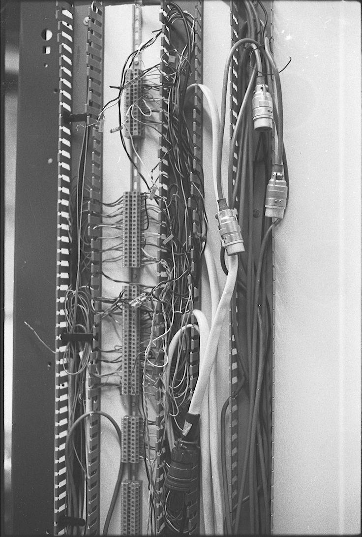 239. The transmitter in detail - October 1977