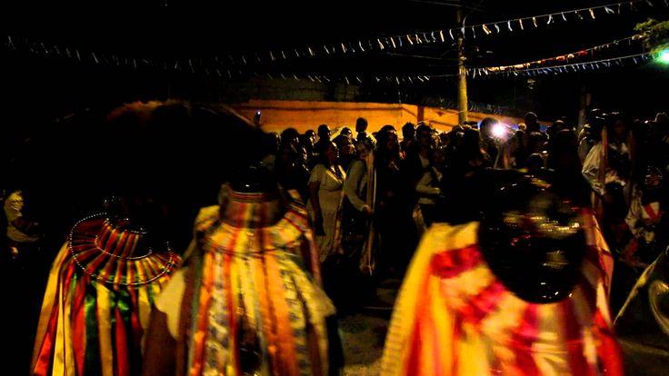 Nascimento do Boi (2) - Bumba meu Boi. Grupo Cupuaçu Morro do Querosene - São Paulo Nascimento do Boi. (Em: 21.04.2012).