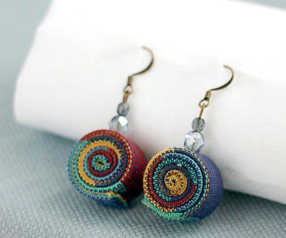 Simpatici orecchini in stoffa riciclata, tonalità blu - Cute Earrings in recycled fabric, blue hue