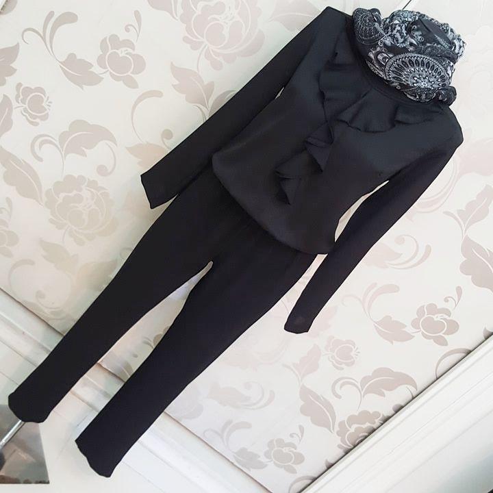 #tuta #nera #volant #valeria #abbigliamento