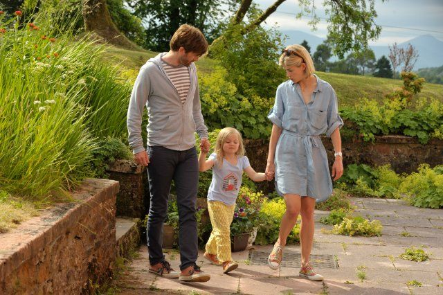 Still of Rosamund Pike and David Tennant in What We Did on Our Holiday (2014)