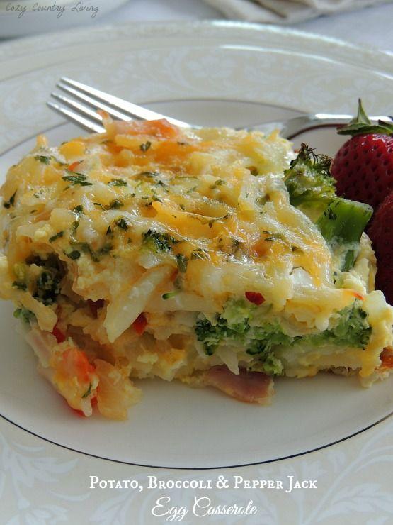 Potato, Broccoli, & Pepper Jack Scrambled Egg Casserole -- add extra veggies & omit ham for a vegetarian meal!