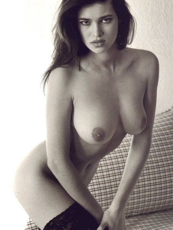 Imagen de http://abes-celebrities.com/manuela_arcuri_27.jpg.