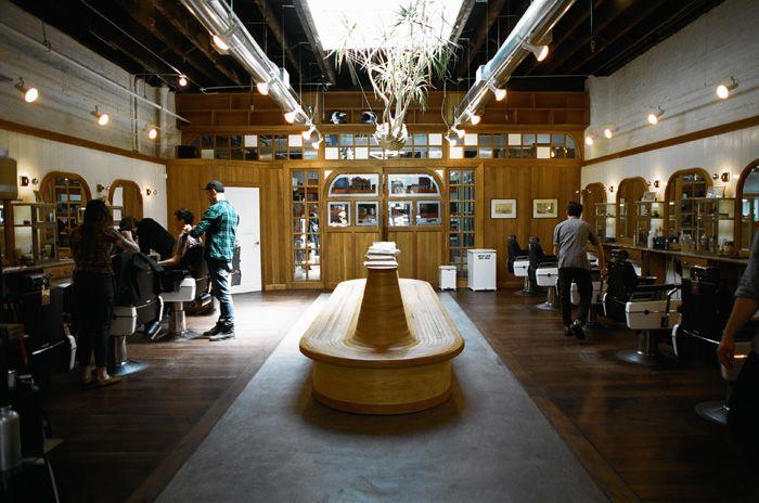 http://milkandsnow.ru/2013/07/barber-supply/ http://www.fscbarber.com/