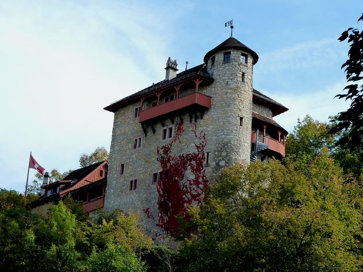 castle Rotberg, is the youth hostel Mariastein-Rotberg, Metzerlen-Mariastein,