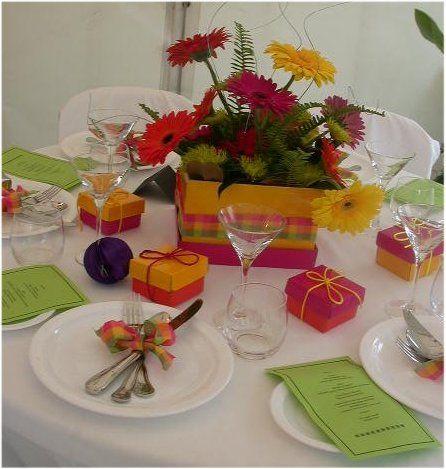 Gerber Daisy Wedding Reception Decorations (Source: floralartmall.com)
