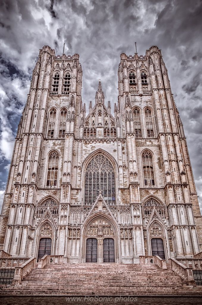 Cathedral of St. Michael and St. Gudula, Brussels, Belgium by Andrei Robu - RoSonic.photos on 500px