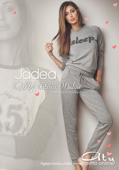 Per la nuova collezione Pigiami Donna Jadea Home lo splendido pigiama stile tuta con pantalone, comodissimo, con tasche. Lo stile casual domina su tutta la collezione definendo l'abbigliamento da camera estremamente confortevole.  #moda #jadea #pigiami http://www.atyintimoonline.it/160-pigiami-donna-invernali