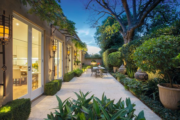 Exquisite Single Level Designer Luxury   2/50 Hampden Road Armadale - Marshall White
