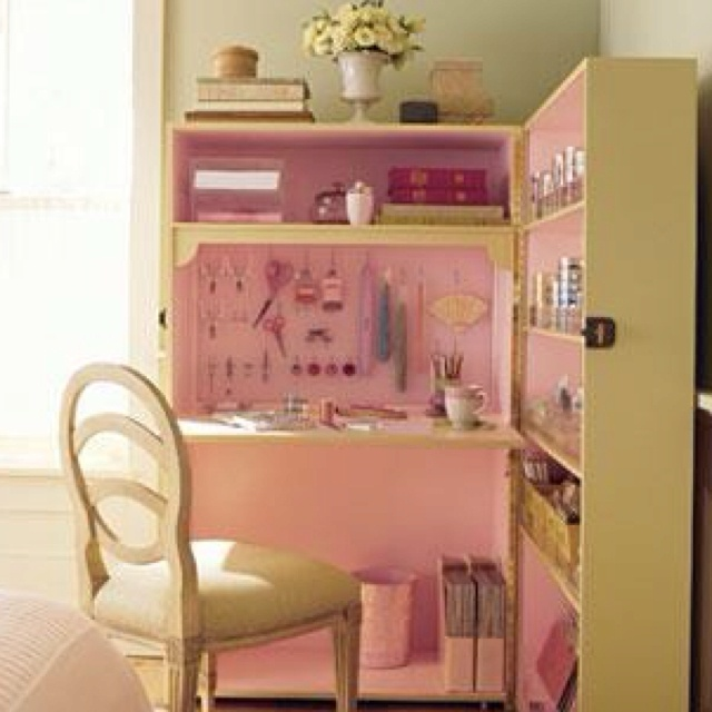 From the Campbell's Loft Facebook page. Cool idea for a young girls room.
