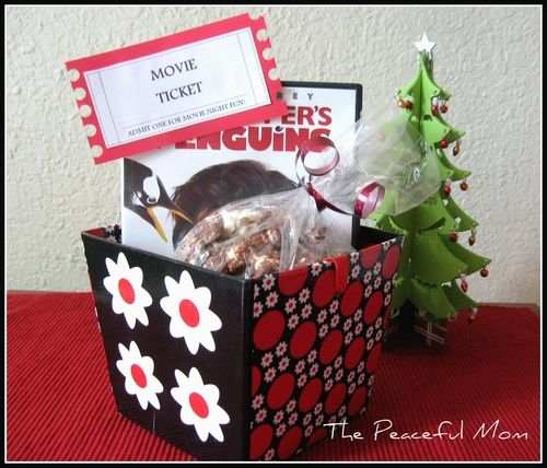 Christmas: DIY Movie Night Basket Gift with FREE printable tag! --The Peaceful Mom
