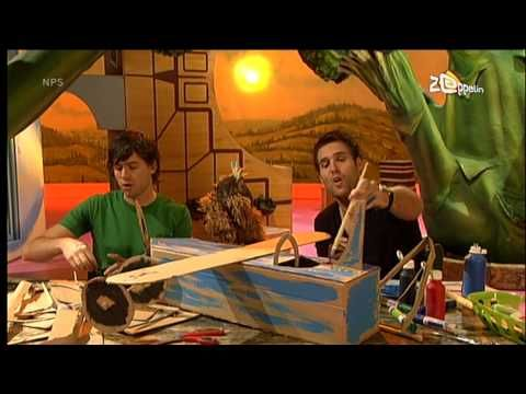 Sesamstraat Tommie & Nick en Simon - Met onze kop in de wolken (vliegen).