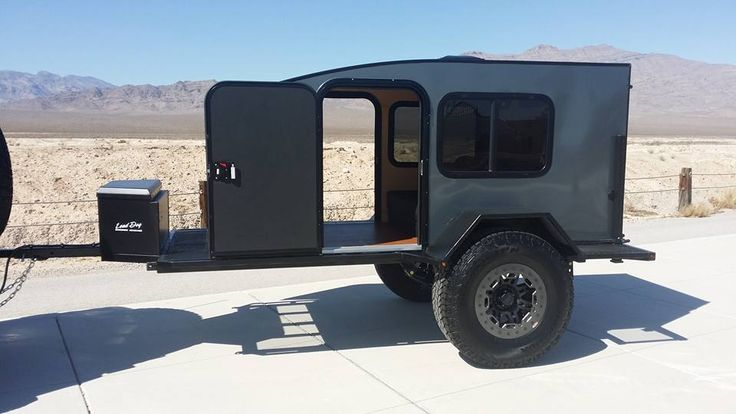 A rugged and roomy teardrop for the serious explorer, the Off Road Dog House from Lead Dog Motorsports comes in either a 4X8 or wide 5X8 size