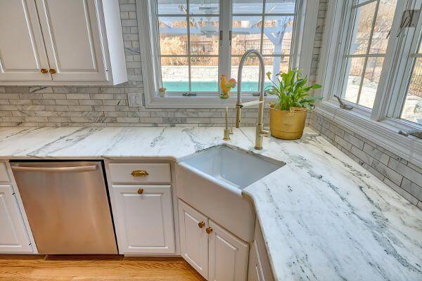 Corner Sink In Marble Countertops Titan Granite St Louis Mo Outdoorkitchencountertop Outdoor Kitchen Countertops Outdoor Kitchen Design Marble Countertops