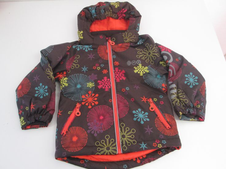 Mooi, warme winterjas van Minymo. 100% waterdicht, met fleece gevoerd en met afneembare kap.